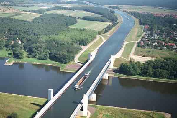 cay-cau-nuoc-magdeburg-water-bridge-magdeburg-duhocduchalo-3